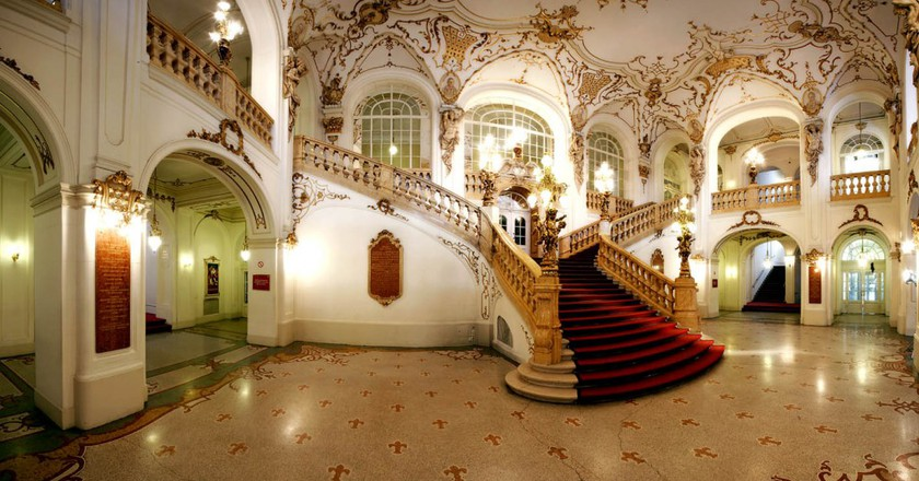 The staircase in the foyer of Graz's Opera House   WikiCommons