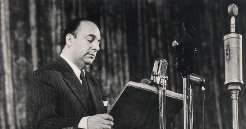 Pablo Neruda visits the Soviet Union. August, 1950. © Ministerio de Relaciones Exteriores de Chile