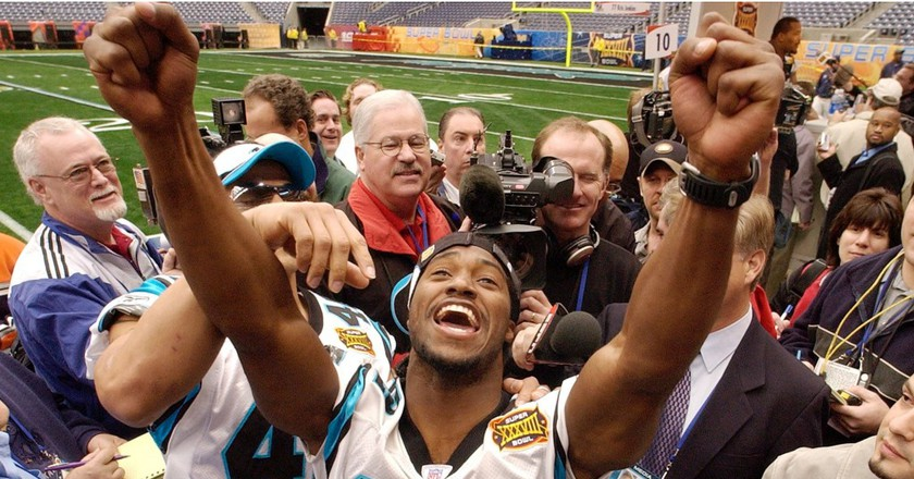 Rod Smart used his time in the XFL to make it to the NFL. Shown above at Super Bowl XXXVIII media day | © J. PHILLIP/AP/REX/Shutterstock