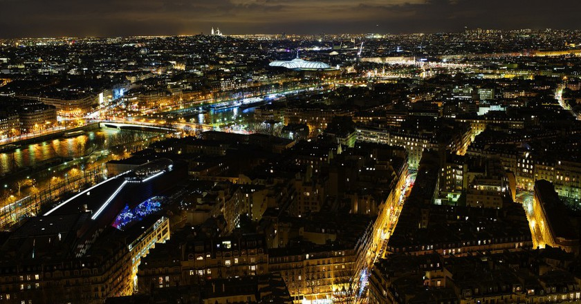 The view of Paris from the second level of the Eiffel Tower │© Dustin Gaffke / Flickr