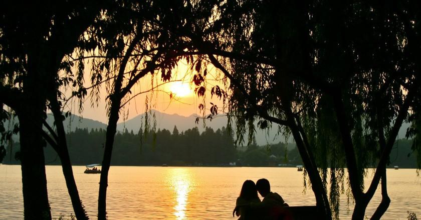 Couple by West Lake   ©Francois Philipp