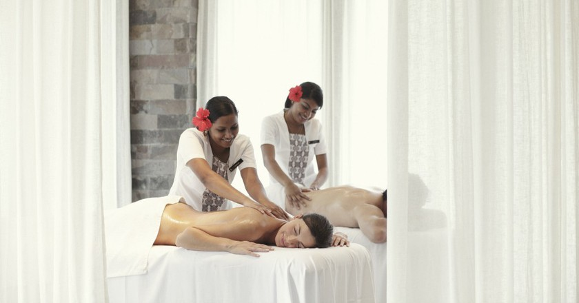 Couples massage in Fiji   Courtesy of InterContinental Fiji Golf Resort and Spa / Flickr
