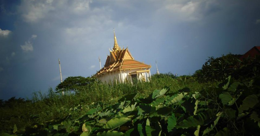 Koh Krobey temple on the outskirts of Phnom Penh. - part of a Phnom Penh Hike walk I © Marissa Carruthers