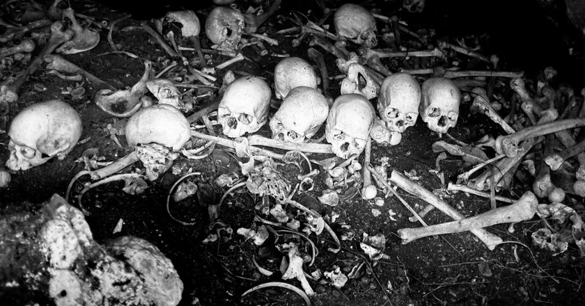Cannibal Cave, Fiji | ©Christian Peraita / Flickr
