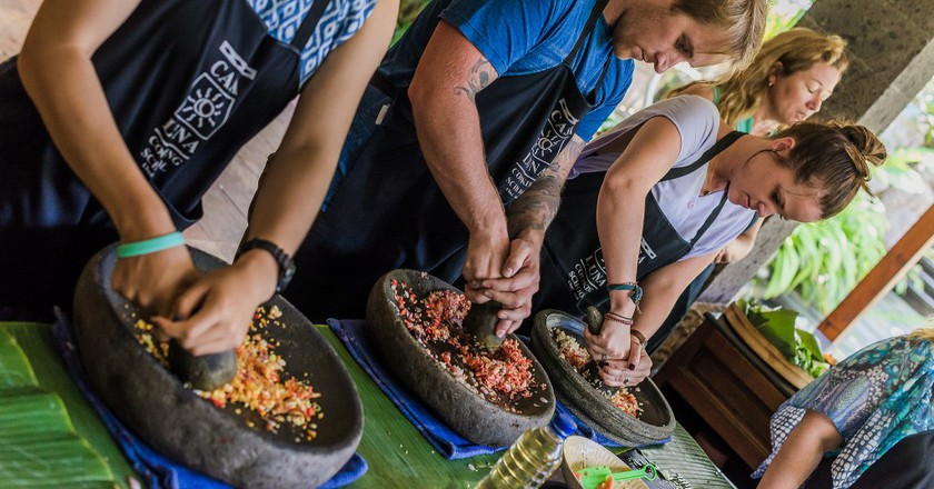 Traditional cooking class in Bali | © Henrik Palm / Flickr