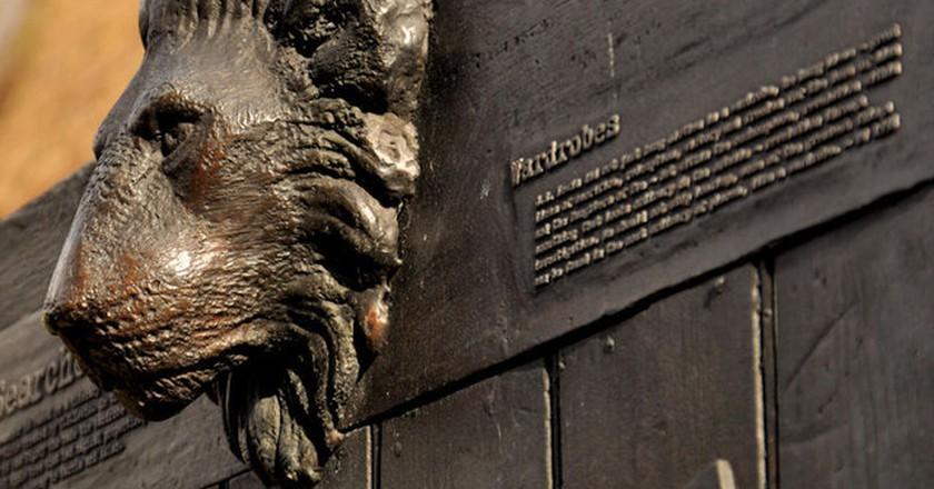 C. S. Lewis Tribute, Belfast | © Albert Bridge/ Flickr