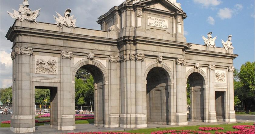 The Puerta de Alcalá  | ©  Jean-Pierre Dalbéra/Flickr