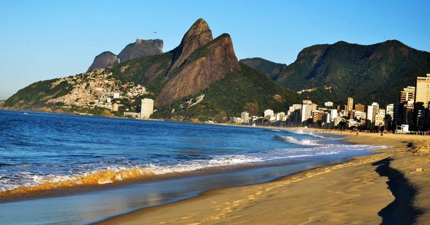Two Brothers Hill, Rio de Janeiro   © Rodrigo Soldon / Flickr