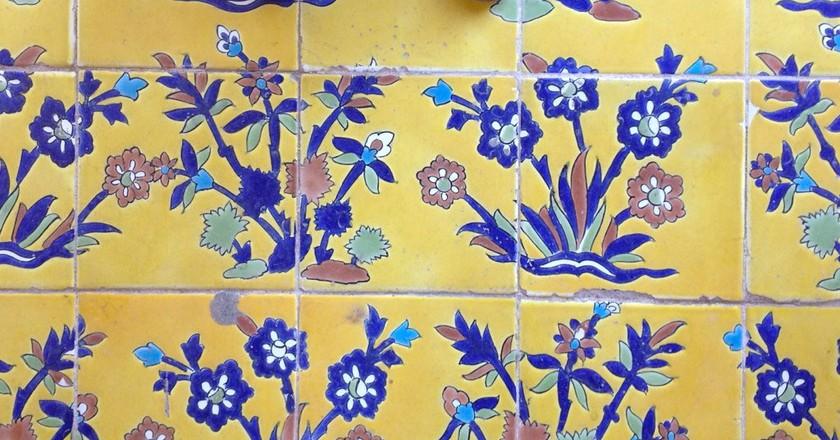 Yellow tiles of Esfahan | © Venturist / Flickr