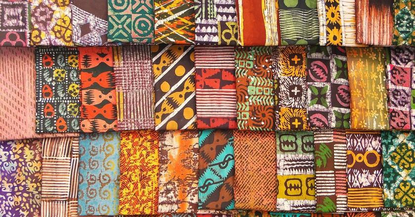 Batik samples | ©Adam Jones/wikimedia commons