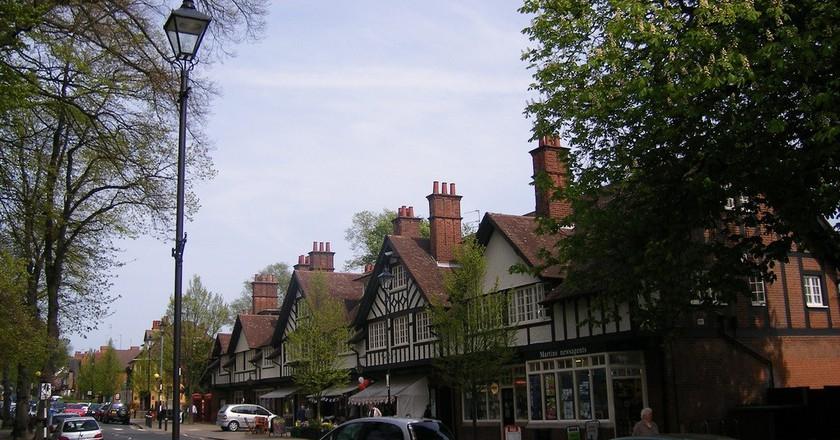 Bournville village green shops   © Elliot Brown/Flickr