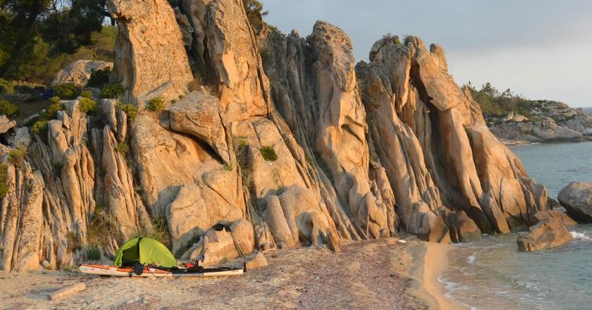 Camp on Sithonia Peninsula | © Huw Kingston