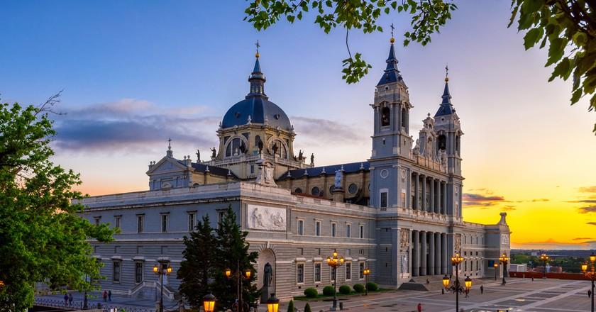 Cathedral Santa Maria la Real de La Almudena in Madrid, Spain| © Catarina Belova/Shutterstock