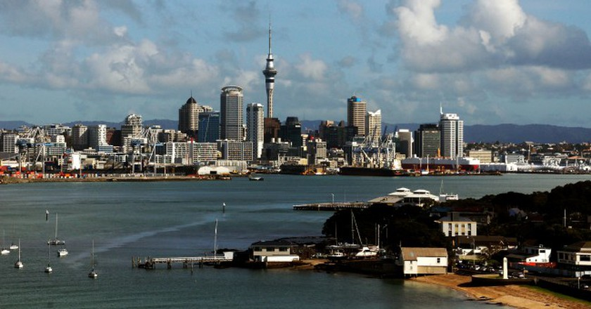 Devonport view of Auckland City  │© Bernard Spragg. NZ/Flickr