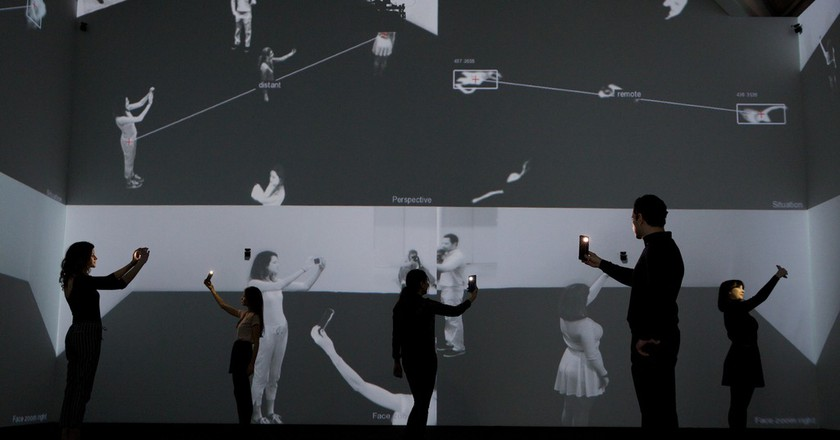 Installation view, Rafael Lozano-Hemmer and Krzysztof Wodiczko | © Piers Allardyce 2017. Image courtesy of the Saatchi Gallery, London