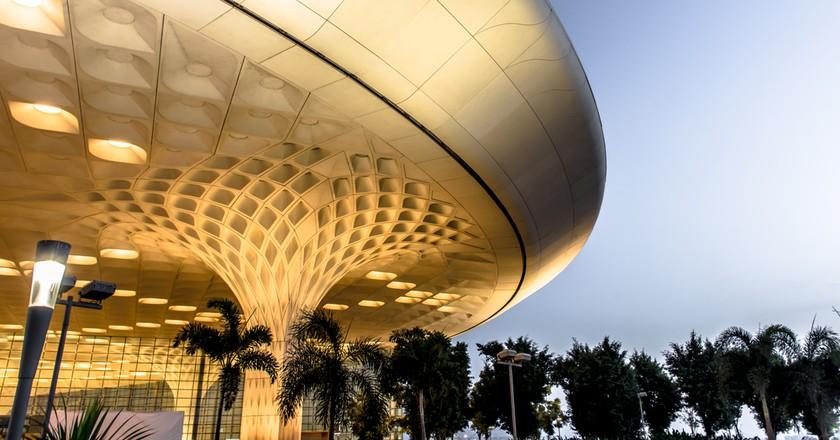 Mumbai's palatial Chhatrapati Shivaji International Airport | © Chansak Joe / Shutterstock