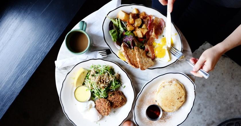 Breakfast at Café Neon | © S Yoon