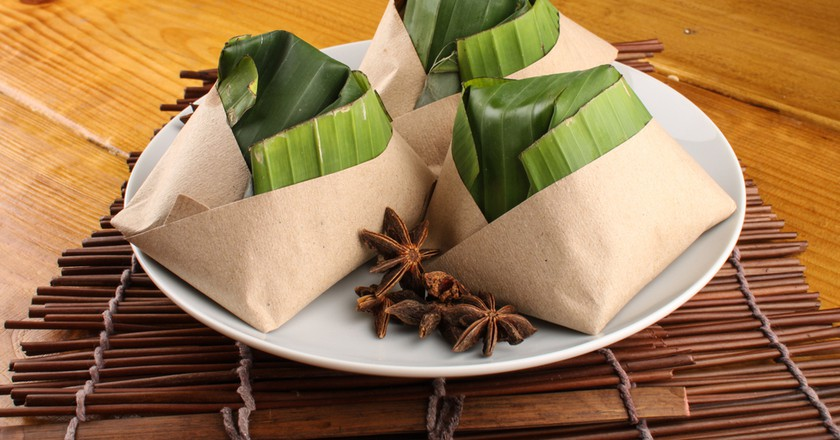 Malaysian nasi lemak packed with banana leaf | © Kencana Studio / Shutterstock