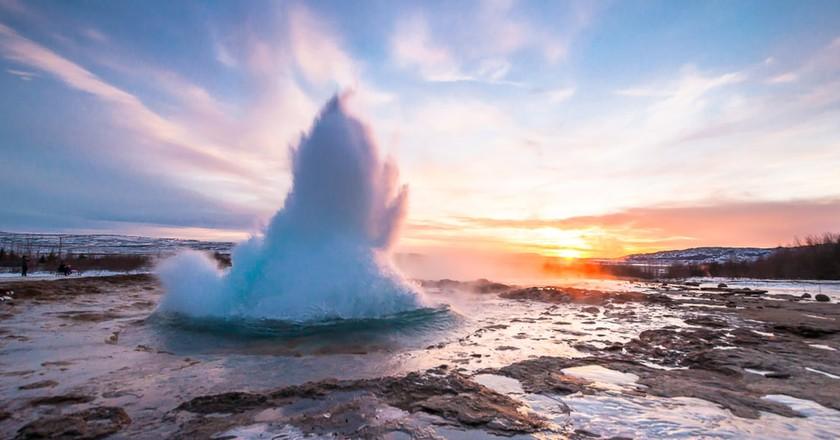 Eruption of Strokkur geyser, Iceland | © ZinaidaSopina/Shutterstock
