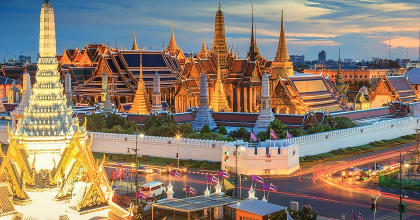 Grand palace and Wat phra keaw at sunset Bangkok, Thailand | © SOUTHERNTraveler / Shutterstock