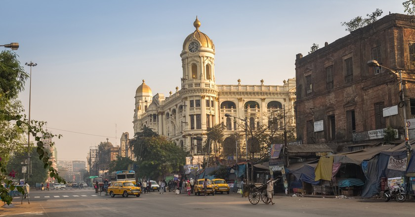 Indian city road at Esplanade Dharmatala Kolkata| © Roop_Dey/Shutterstock