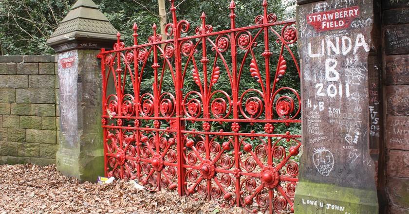 Strawberry Field gates | © Dark Dwarf/Flickr