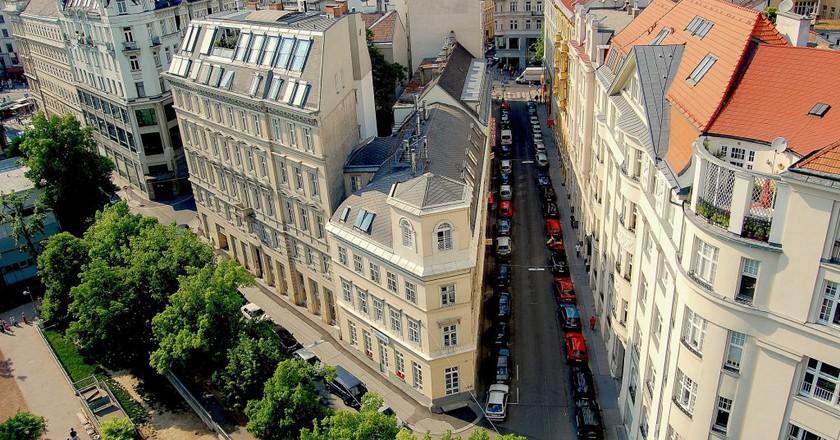 Aerial view of the streets of Vienna | ©  jarmoluk / pixabay