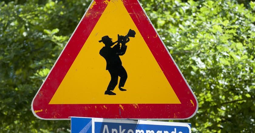 Jazzy Swedish Roadsign |©CGP Grey/Flickr
