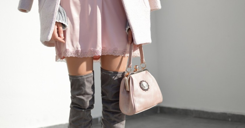 Woman in pink and grey | © Tamara Bellis/Unsplash