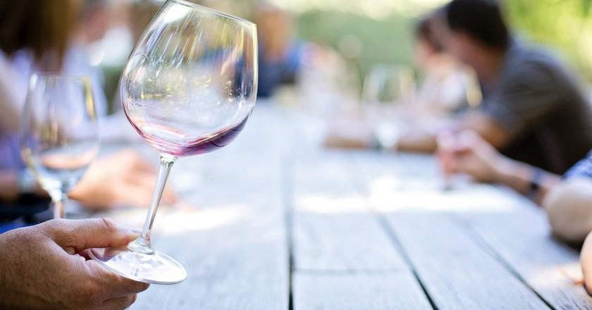 Wine tasting © Pixabay