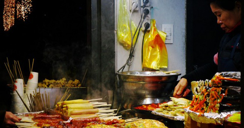 Nighttime snack in Busan | © travel oriented / Flickr
