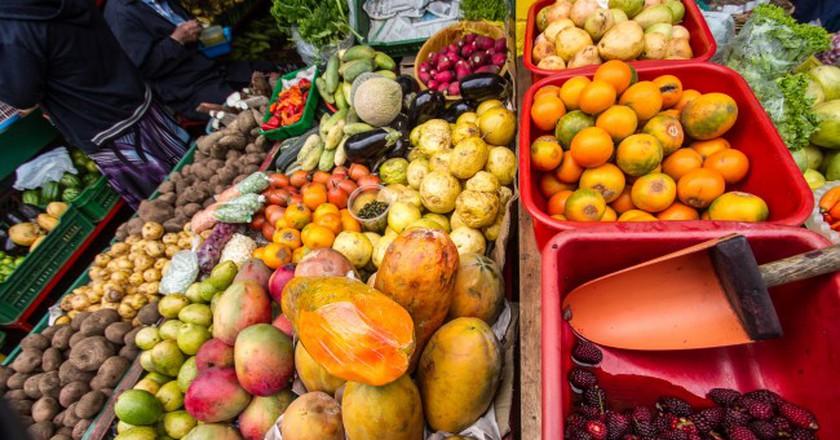 "Colombian Fruit © <a href=""https://www.flickr.com/photos/33200530@N04/15452579864/in/photolist-pxuvCL-Smb6S-qKbgiB-annYZo-annZ99-6vqfAx-4uCwwa-dB74BH-62CRGv-dAymuG-5iP26P-au83y4-2hQPMB-e5ezBP-2hQPFp-84u4Be-2ZepdB-8VvBcE-iXvSWD-qKbfrM-v7Aqx-do1Kz1-auaE8d-e3VjY3-pCq78d-bMeSf8-dcb5WX-9mz6yy-nxmnsk-dcwKkC-pxJ3Vt-8qPmak-pxHCZ2-7gN82C-8qPmiK-2MdMLY-8oTBi7-g6mXZG-dcwJar-6vvnrZ-jdCuvf-9iXzrW-qsVhwk-iXyB8S-hitSrH-pnCyLy-9w3WCo-hxL3Ju-dcb3Rh-qKbgqk""> CucombreLibre / Flickr </a>"