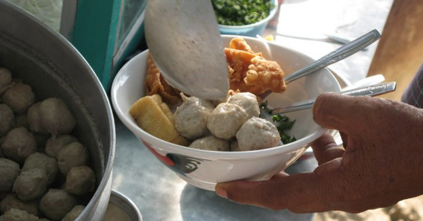 Bakso sold on a cart | © rai_19 / Flickr
