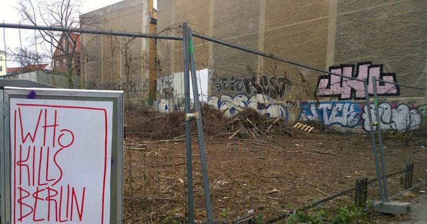 Who Kills Berlin? A future development site on Invalidenstrasse, 2016 © Denis Bocquet/Flickr