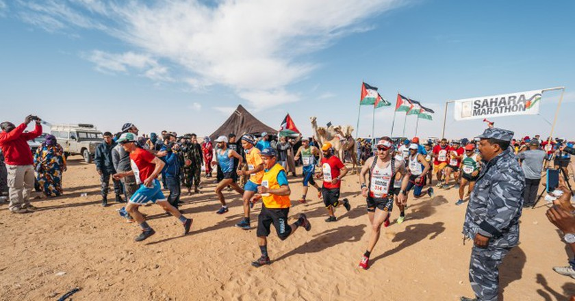 The start of the 12th annual Sahara Marathon | © Flickr/Sahara Marathon