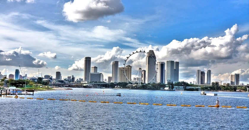 "Singapore skyline seen from the Marina Barrage | © Surya ""Sharky"" Iskandar/Flickr"