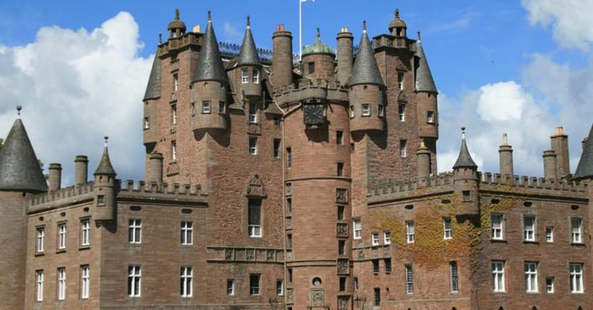Glamis Castle | Glen Bowman/Flickr