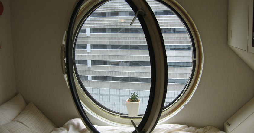 Capsule hotel room | © urbz/Flickr