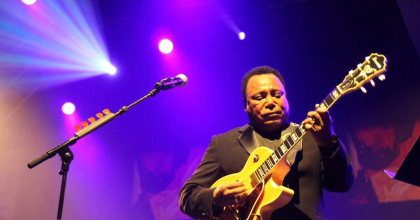 Jazz superstar George Benson performs at the Cape Town International Jazz Festival  © André-Pierre du Plessis / Flickr