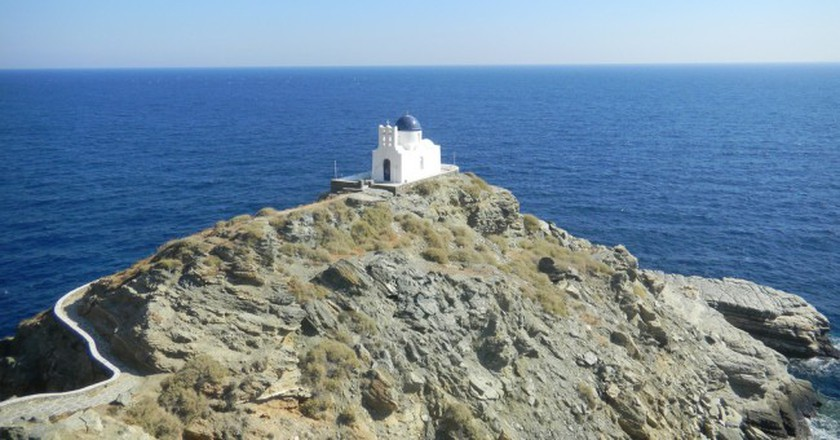 Church of the Seven Martyrs, Sifnos │© Elisa Triolo / Flickr