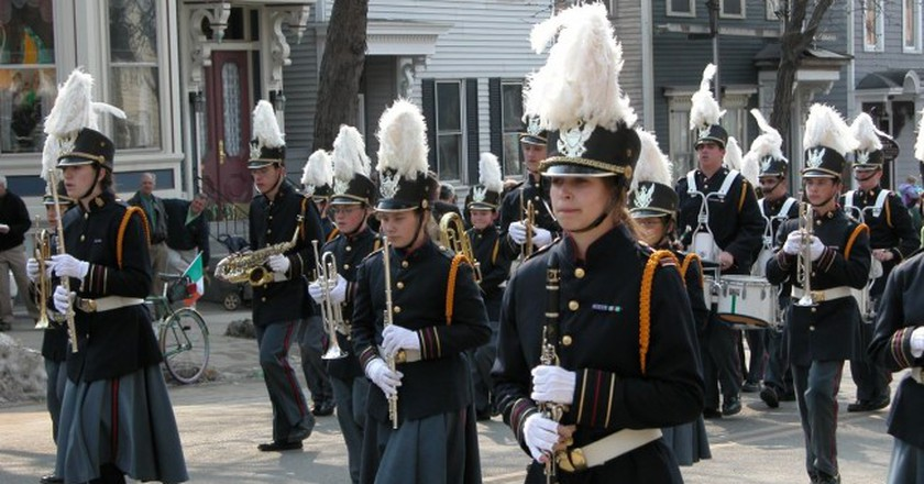 Band in parade | © Bryan Maleszyk / Flickr