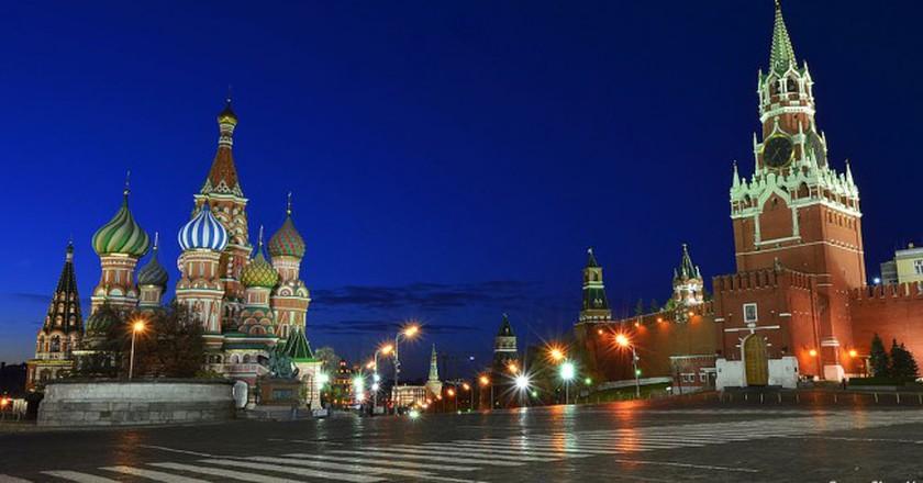 Red Square at Night | © Sergey Korovkin 84/ Wikimedia Commons