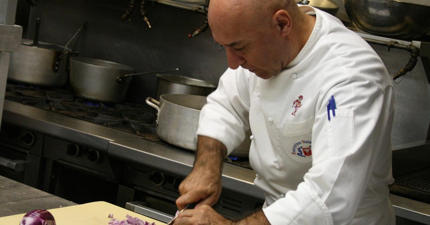 Al Tiramisu chef Luigi Diotaiuti teaches one of his popular cooking classes | © Shashi Bellamkonda /  Flickr