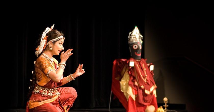 "<a href=""https://www.flickr.com/photos/43518209@N00/1899021531"" target=""_blank"">Odissi dancer| © Bala Sivakumar / Flickr</a>"