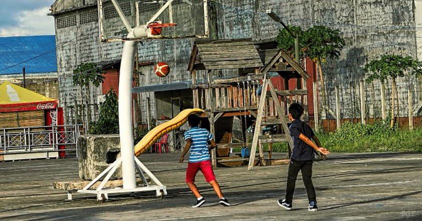 Street basketball in the Philippines | © Brian Evans / Flickr