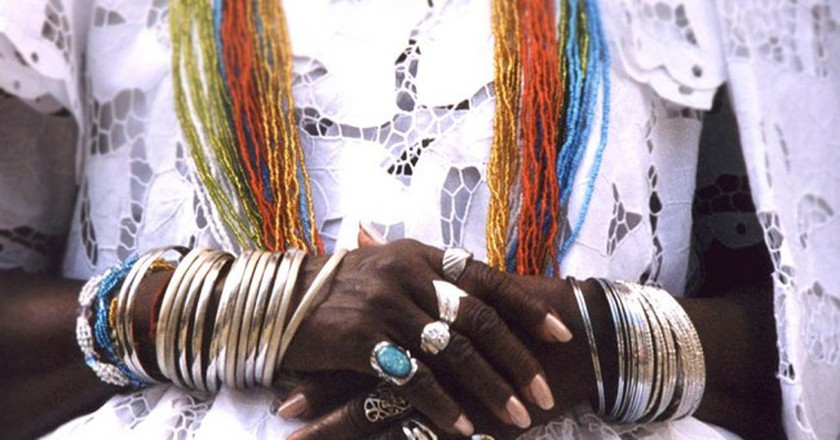 In ritual clothes of Candomble | © Candomblé / WikiCommons