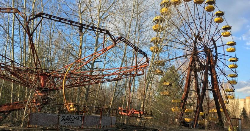 inside ukraine u0026 39 s haunting chernobyl exclusion zone