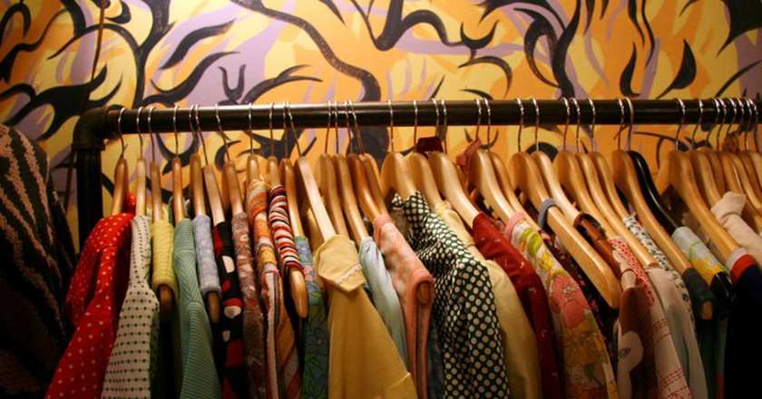 Clothes on a rack | © Jason Saul/Flickr