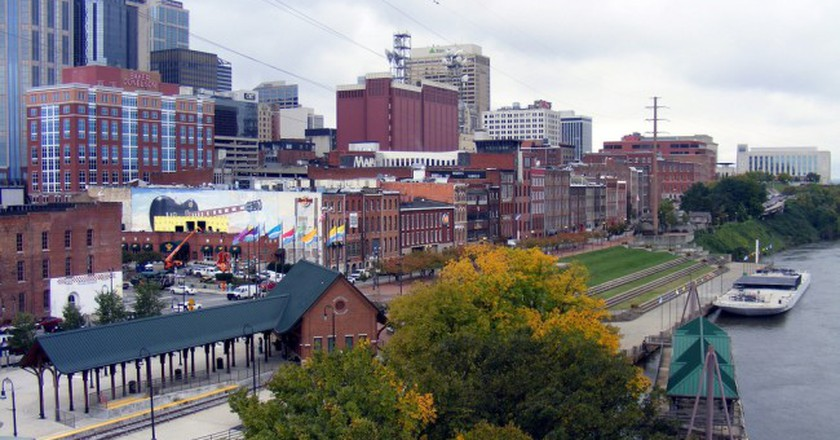 Downtown Nashville by the Riverfront   © Andre Natta / Flickr
