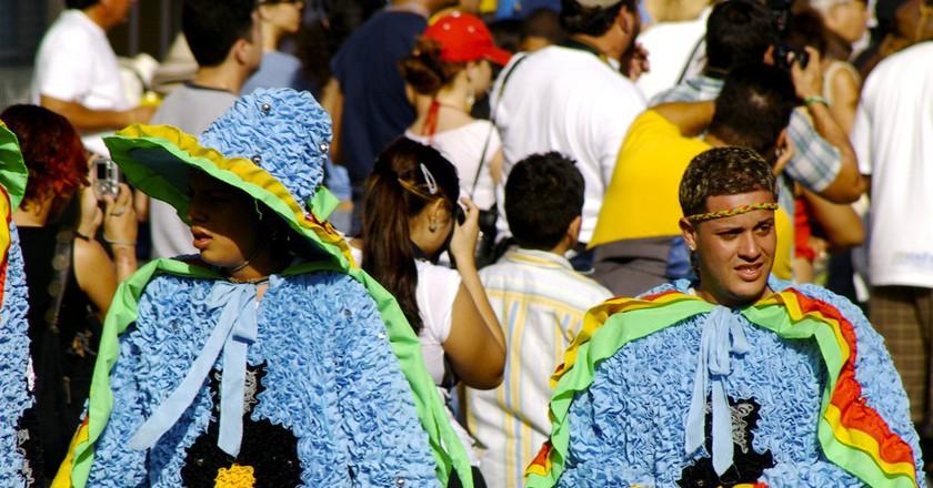 Crowd at the Festival de las Mascaras | © Oscar Rohena / Flickr